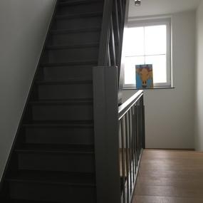 Schilderwerken trap en hal - Schilderwerken